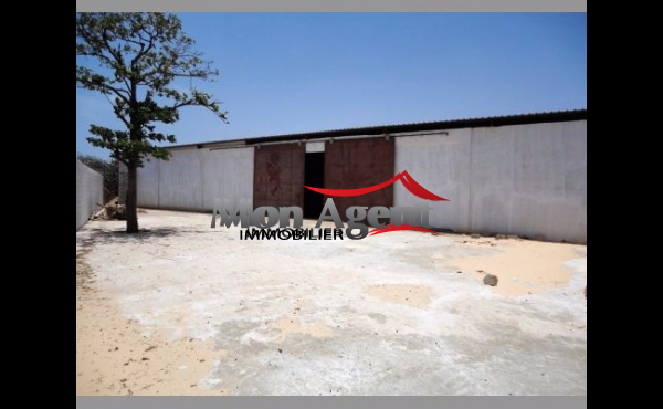 Dakar Senegal - Hangar a louer