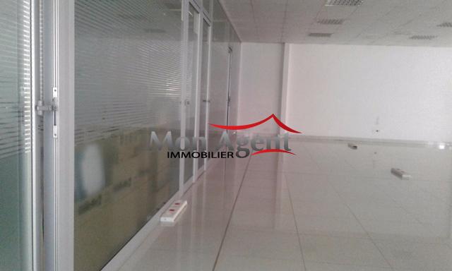 plateau de bureau louer zone industrielle colobane dakar mon agent immobilier dakar agence. Black Bedroom Furniture Sets. Home Design Ideas