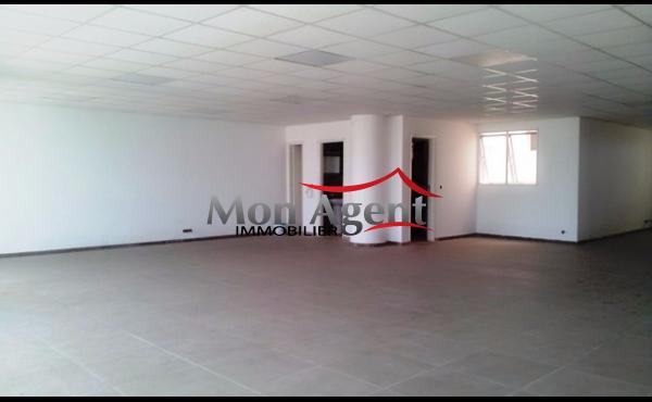 Plateau de bureau à louer Fann résidence Dakar