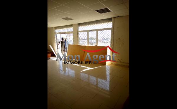 Plateau de bureau à louer Dakar VDN