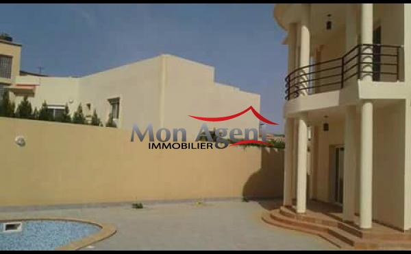 Villa piscine Dakar Mamelle à louer