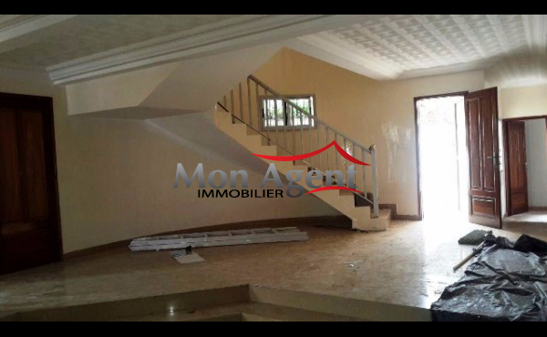 Villa aux almadies dakar en location agence immobili re for Agence immobiliere dakar