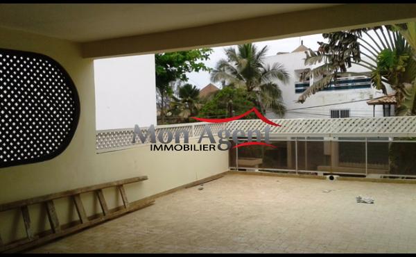 Une villa en location au Virage à Dakar
