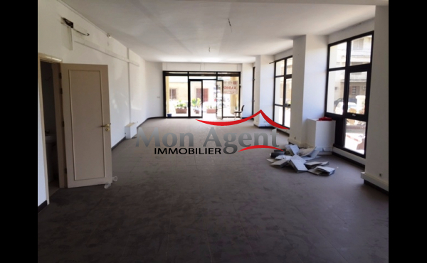 Location magasin de 120 m² Dakar Plateau