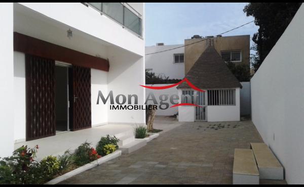 A louer une villa à Fann résidence Dakar
