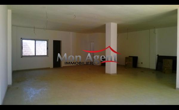 Show-room de 110 m² à louer à Dakar  Virage