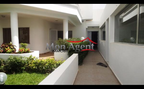 Villa à louer aux Almadies à Dakar