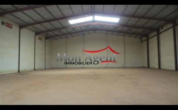 Hangar de 1 162 m² à louer à Bel Air Dakar