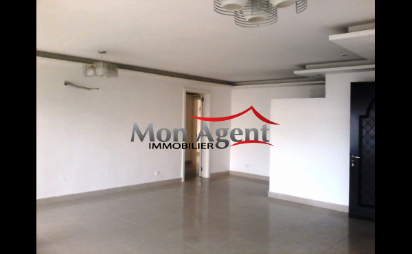 Appartement à vendre au Point E à Dakar