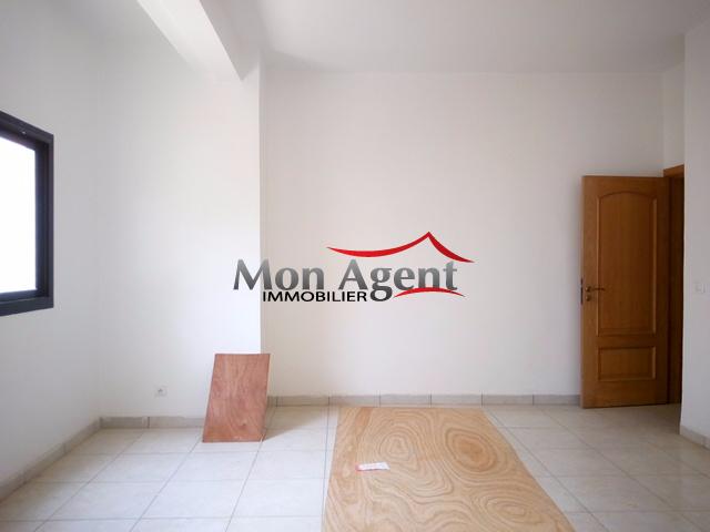 Villa louer mermoz dakar agence immobili re au s n gal for Maison a louer par agence immobiliere