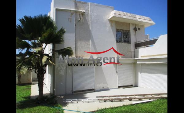 Villa Piscine à louer Fenêtre Mermoz à Dakar