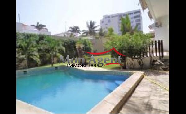 Location d'une villa avec piscine aux Almadies à Dakar