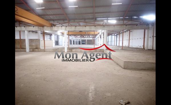 Hangar en location à Zone industrielle à Yarakh Dakar