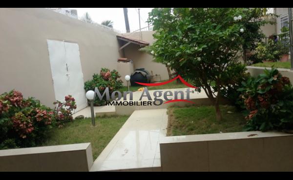 Villa à louer aux Mamelles Dakar
