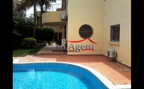 Villa à vendre aux Almadies Dakar