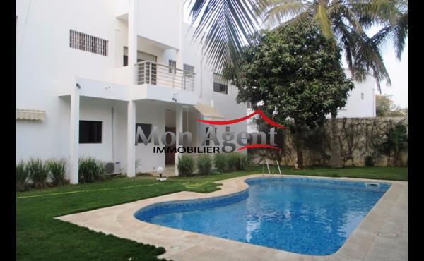 Maison avec piscine à vendre Dakar Almadies
