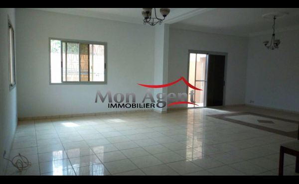 Location villa à Mermoz Dakar