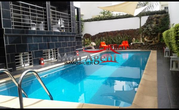 A louer villa meublée piscine SIPRES Mermoz Dakar