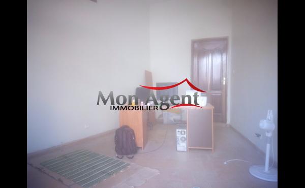 Location magasin 20m² Sicap foire Dakar