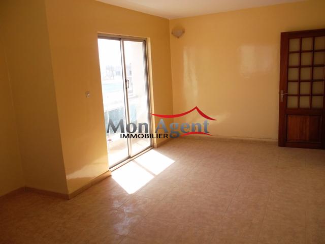 Appartement louer dakar soprim agence immobili re au for Louer appartement agence immobiliere