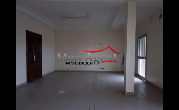 Villa à usage de bureau à louer Dakar Liberté 6 extension