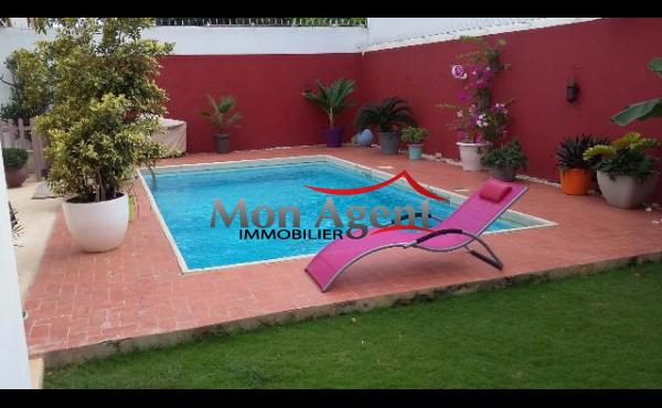Villa avec piscine à louer Almadies à Dakar