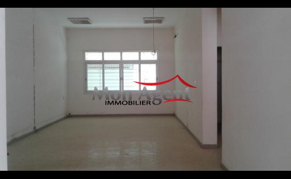 Magasin 120 m² à louer Cité keur gorgui Dakar