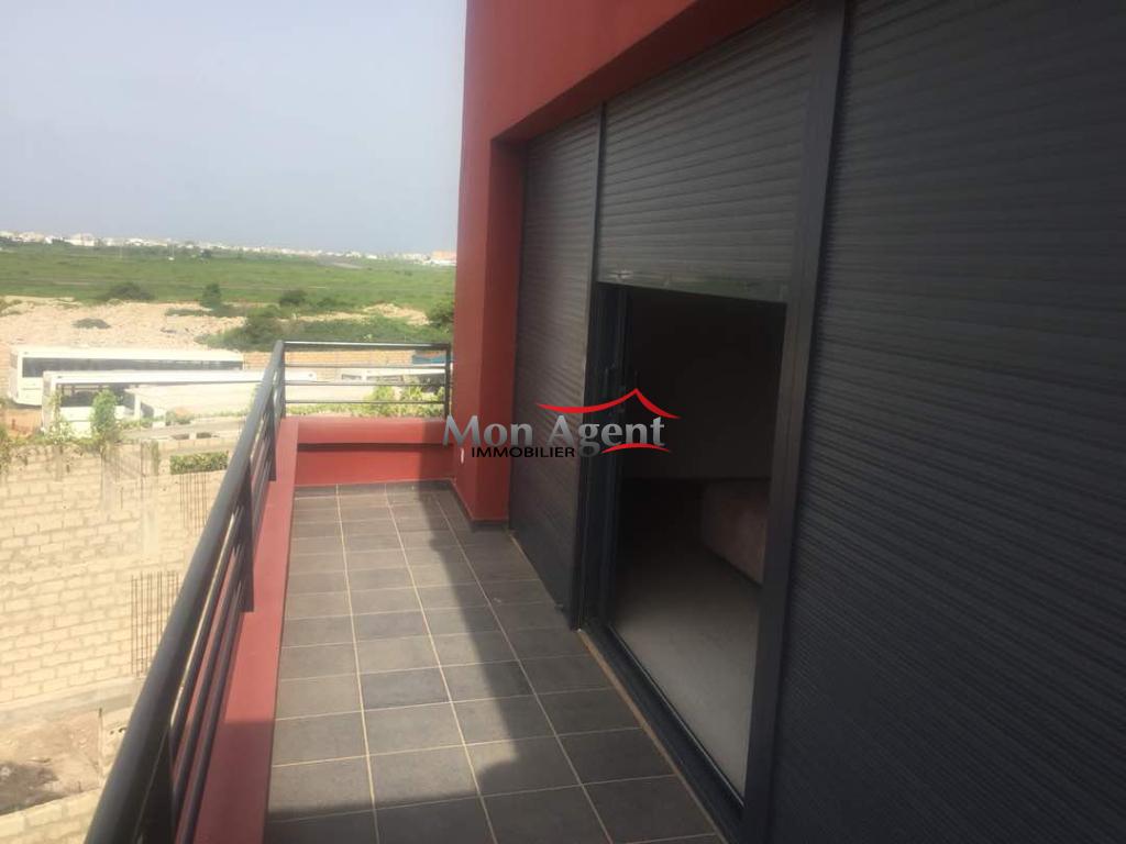 Villa louer dakar cit teylium agence immobili re au for Maison a louer par agence immobiliere
