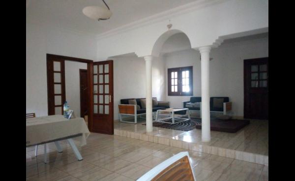 Location maison avec jardin dakar agence immobili re au for Chambre de commerce dakar senegal