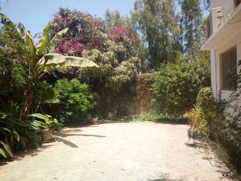 maison  a louer avec jardin mamelles Dakar 1