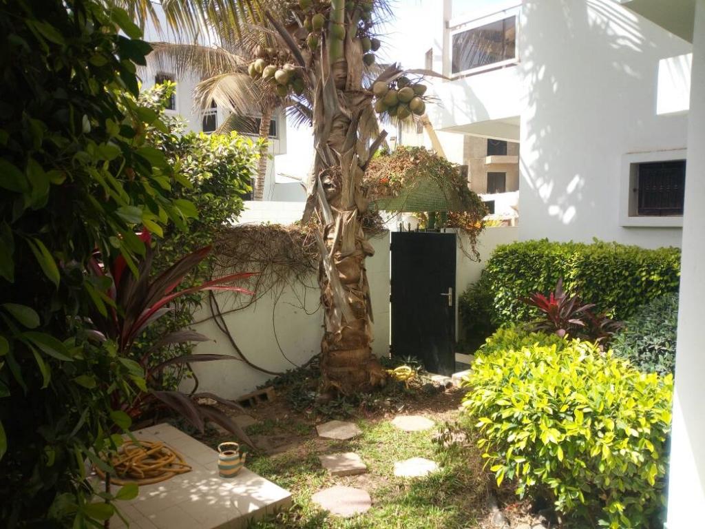 Villa jardin ngor almadies a louer agence immobili re au for Agence immobiliere dakar