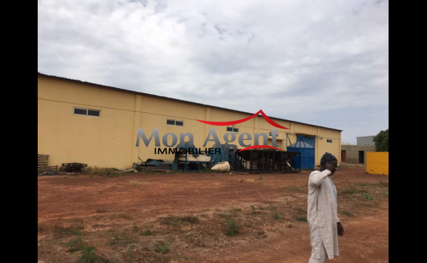 Entrepôt et bureau a louer Diamniadio Sebikotane Dakar