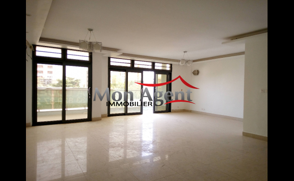 Location appartement Point E