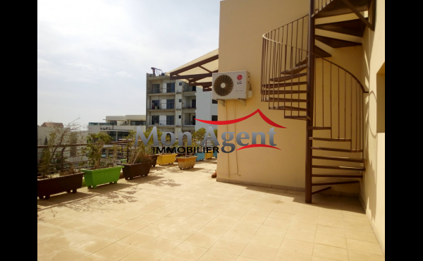 Appartement à louer Dakar au Point E