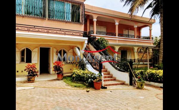 Villa Piscine Virage Dakar