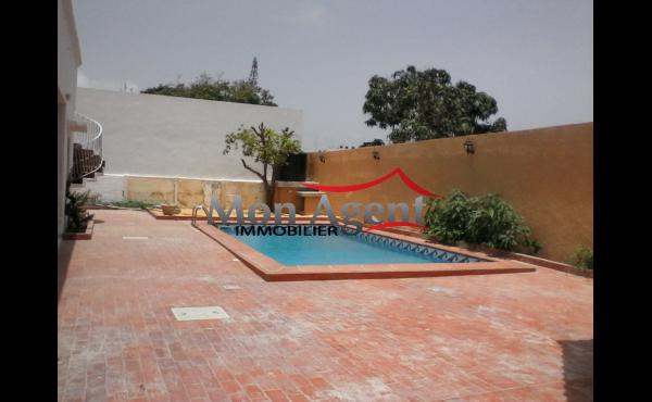 Villa piscine à louer Fenêtre Mermoz Dakar