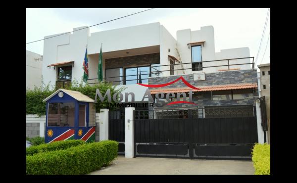 Villa à usage de bureau à louer Mermoz