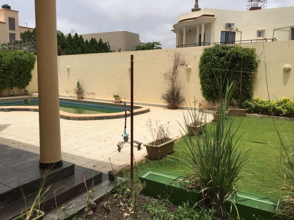 Luxueuse Villa piscine a louer au mamelles Dakar 13