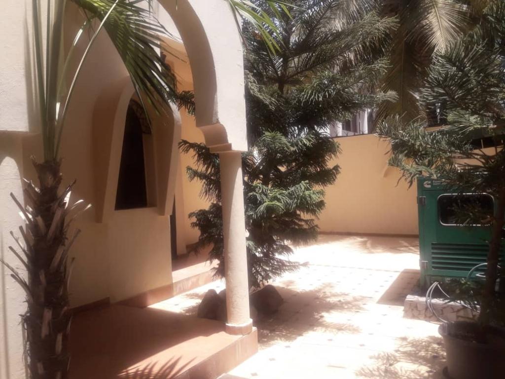 Villa piscine point E dakar 5