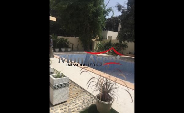 Maison piscine en location Fann residence Dakar