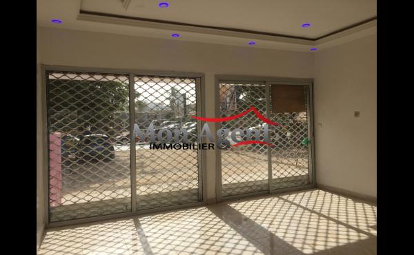 Magasin à louer Bourguiba Dakar