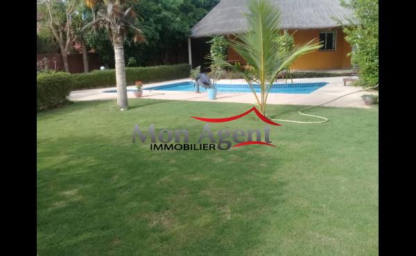 Villa piscine à vendre à Saly Nguérigne