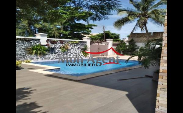 Belle villa piscine a louer Mermoz Dakar