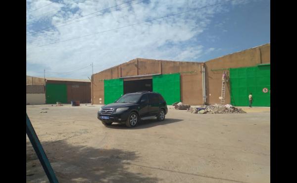 Plateforme de hangars à louer Zone Industrielle Dakar